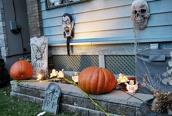 How To Properly Store And Pack Halloween Decorations