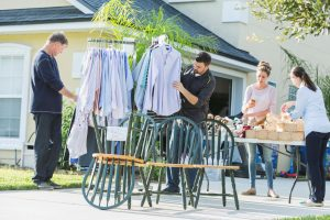 How To Plan For a Successful Garage Sale