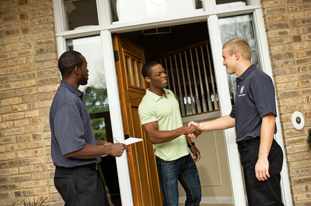 Movers with a customer